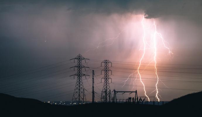 Torden og lyn i mast